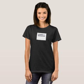 Camiseta Quase um t-shirt das mulheres do detetive