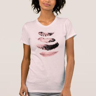 Camiseta Quatro penas picam o t-shirt