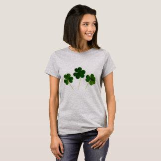 Camiseta quatro trevos da folha
