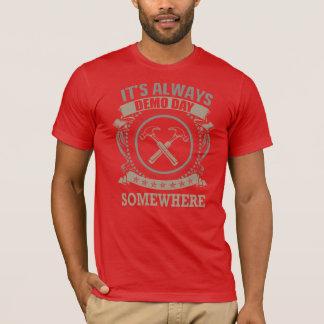 Camiseta Quem ama o dia do programa demonstrativo?
