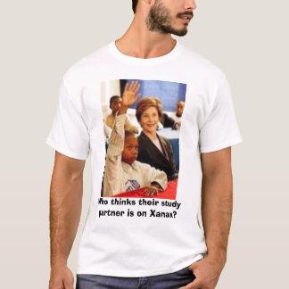 Camiseta Quem pensa que seu sócio do estudo está em Xanax?