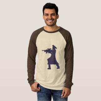 Camiseta rabino com espingarda de assalto
