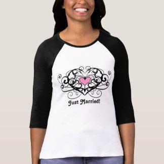 Camiseta Recem casados elegante dos redemoinhos e dos