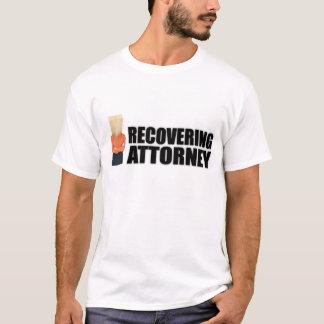 """Camiseta """"Recuperando roupa do advogado"""" para mulheres"""