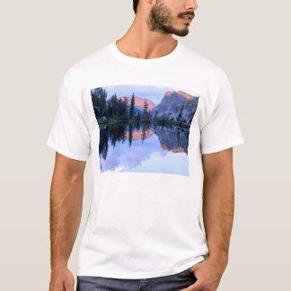 Camiseta Região selvagem do Sawtooth, Idaho. EUA. Cumulus
