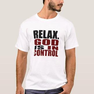 Camiseta RELAXE. O DEUS ESTÁ no roupa do cristão do