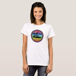 Camiseta Remando o logotipo roxo T do arco-íris dos cães