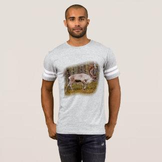 Camiseta Rena que anda na floresta