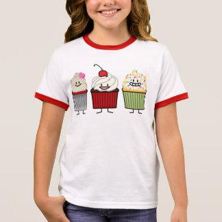 Camiseta Ringer A crosta de gelo da família do cupcake polvilha o