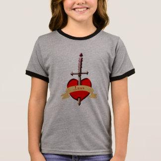 Camiseta Ringer o punhal do amor perfurou o coração