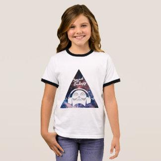 Camiseta Ringer Som da galáxia com o homem no auscultadores