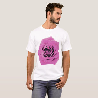 Camiseta Rosa do rosa em um branco