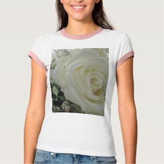 Camiseta Rosas brancos