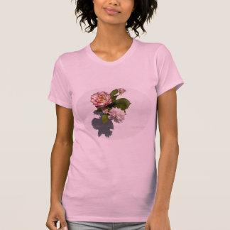 Camiseta Rosas cor-de-rosa no t-shirt