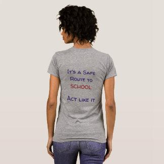 Camiseta Rota segura ao t-shirt da escola