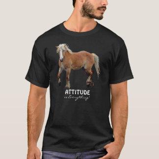 Camiseta Roupa desportivo belga do cavalo de esboço do