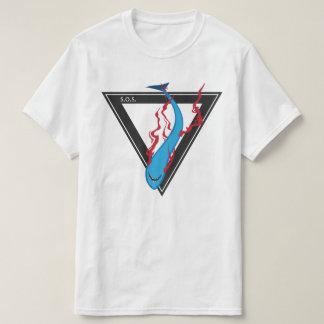 Camiseta salvar nosso triângulo dos tubarões SOS
