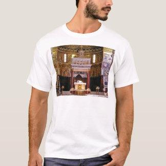 Camiseta santamente altere na igreja