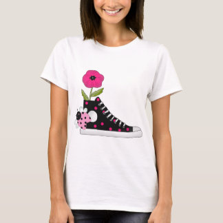Camiseta Sapatilhas dos insetos das flores todo o material