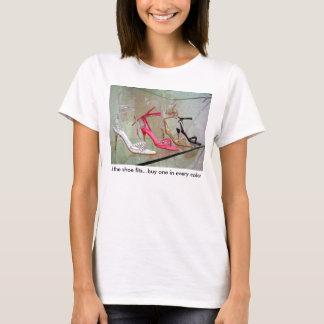 Camiseta Se o comprar um dos ajustados dos calçados… em