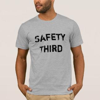 Camiseta Segurança em primeiro lugar?  Segurança terceira
