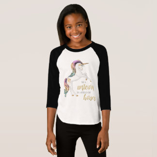 Camiseta Seja um unicórnio em um campo dos cavalos