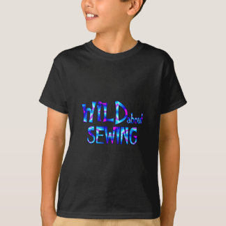 Camiseta Selvagem sobre Sewing