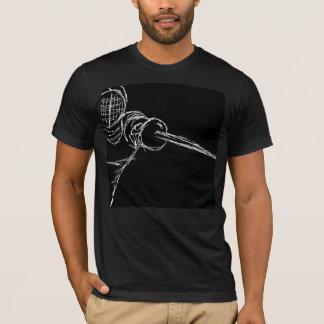 Camiseta SEMO que cerca o preto