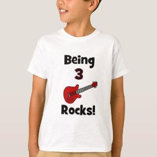 Camiseta Sendo 3 rochas! Com o balancim de Rockstar da