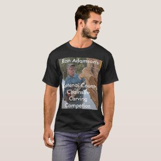 Camiseta Serra de cadeia de Ron Adamson que cinzela a