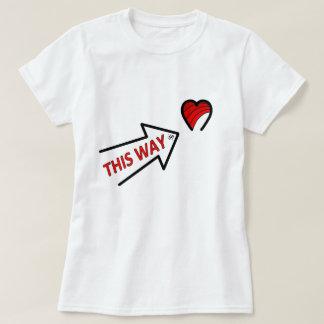 Camiseta Seta de amor que aponta ao coração