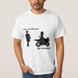 Camiseta Seu namorada, minha motocicleta da amiga