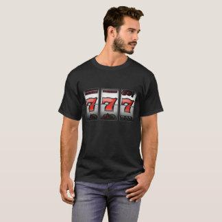 Camiseta Sevens triplo afortunado no slot machine