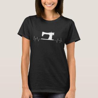 Camiseta sewing da pulsação do coração do quilter