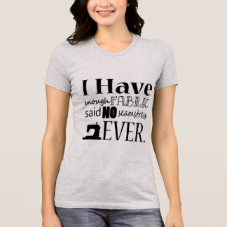 Camiseta Sewing • Não bastante tecido • Artesanatos