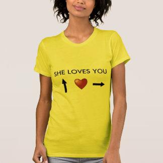 Camiseta She loves you
