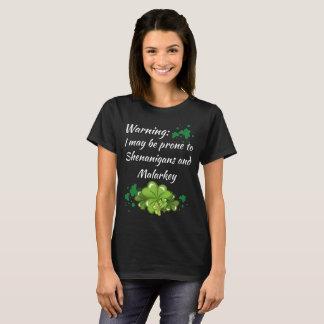 Camiseta Shenanigans inclinados de advertência e t-shirt de