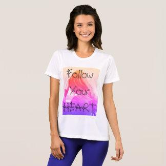 Camiseta Siga seu coração, o tshirt de mulheres brancas