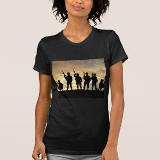 Camiseta Silhueta dos soldados na 101st divisão
