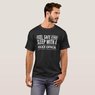 Camiseta Sinta seguro na noite, sono com um agente da