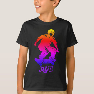 Camiseta Skater do arco-íris do Rad do menino do patinador