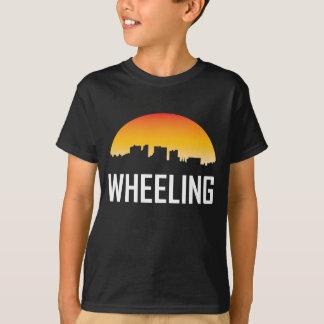 Camiseta Skyline de roda do por do sol de West Virginia