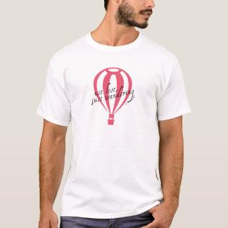 Camiseta Slogan nao perdido, apenas vagueando do viagem