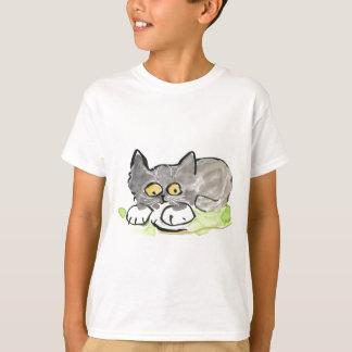 Camiseta Slug da banana e gatinho cinzento minúsculo