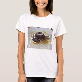 Camiseta Sobremesa morna do bolo da lava do fundente do