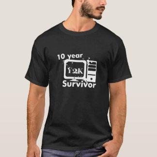 Camiseta Sobrevivente de Y2K de 10 anos