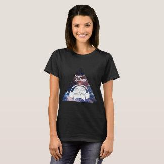 Camiseta Som da galáxia com o homem no auscultadores