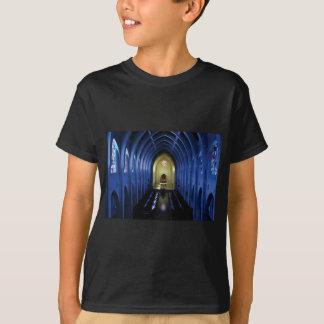 Camiseta sombras da igreja azul escuro