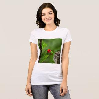 Camiseta Sorte do gato com o joaninha