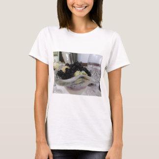 Camiseta Sorvete da baunilha com uvas-do-monte silvestres